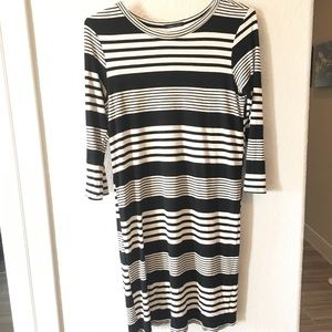 Fully lined dress. L